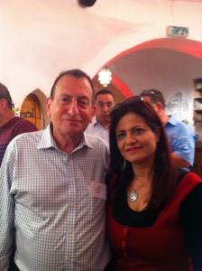 רות ברונשטיין עם רון חולדאי בכנס משרד התיירות