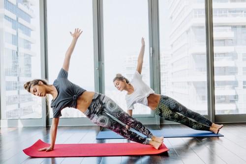 """KYT leggings מכנסי טייץ מיוחדות ומחטבות לספורט. צילום:יח""""צ"""