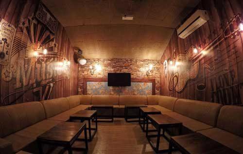 קריוקי ביטבוקס -חדר באוירת מוזיקת קנטרי