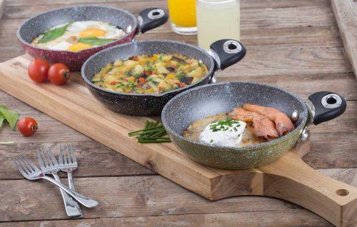 מגוון של כלי בישול בעיצובים ייחודיים המתאימים להגשה אישית ישירות מהבישול לשולחן