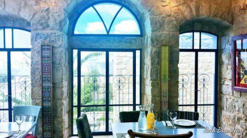 The Way Inn מלון בוטיק לנופש רומנטי המעניק מרגוע ומנוחה לגוף ולנפש. רוגע באווירת קדושה מדיטטיבית, סביבה אמנותית מעוצבת לצד שפע גירויים המובילים לתחושת שלווה ממגנטת במרחב הקסום.